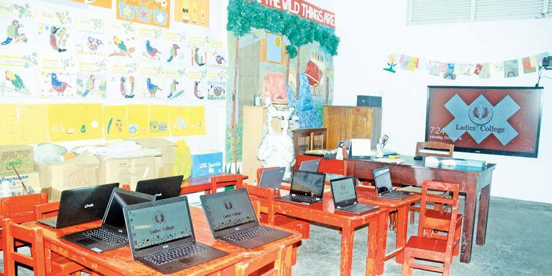 LADIES' COLLEGE INTRODUCES INTERACTIVE BOARDS: ALL CLASSROOMS TO BECOME 'SMART'